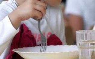 http://www.seguonews.it/-bimbo-costretto-a-mangiare-da-solo-rivolto-contro-un-muro-condannate-due-maestre