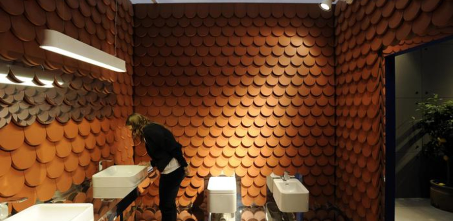 Palermo, piazza telecamere nel bagno delle donne di H&M: denunciato