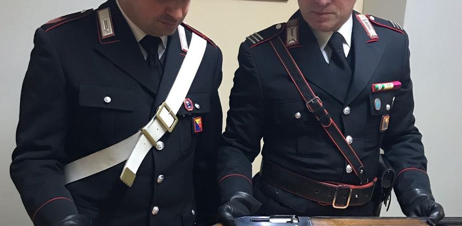 Trovato un fucile in un ovile, arrestato dai carabinieri un pastore di Mazzarino