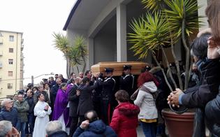 http://www.seguonews.it/anche-un-generale-e-il-procuratore-bertone-per-lultimo-addio-al-luogotenente-contino
