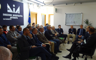 http://www.seguonews.it/il-generale-governale-in-visita-alla-dia-la-lotta-alla-mafia-rimane-una-priorita