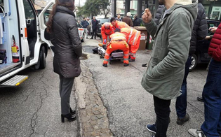 http://www.seguonews.it/spari-da-unauto-a-macerata-4-feriti-il-sindaco-restate-chiusi-a-casa