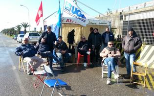 http://www.seguonews.it/blocchi-alla-raffineria-di-gela-sospesi-momentaneamente-riflettori-puntati-su-un-incontro-in-prefettura