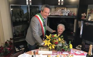 Caltanissetta, nonna Giuseppina compie 100 anni: gli auguri del sindaco