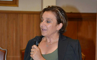 http://www.seguonews.it/amministrative-caltanissetta-lassessore-maria-grazia-riggi-candidata-a-sindaco-per-una-citta-solidale-creativa-ed-ecosostenibile
