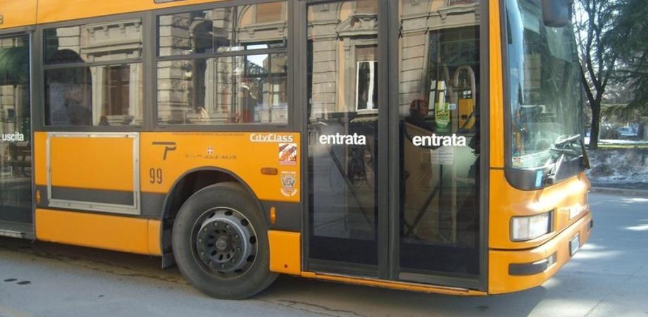 Torna il biglietto cartaceo negli autobus siciliani: era stato eliminato a causa del Coronavirus