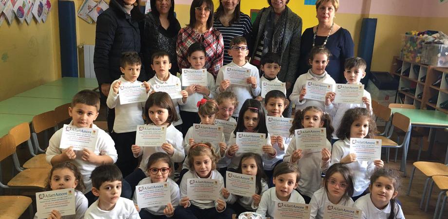 """""""Amiamoci di latte"""": l'associazione Allattamore premia le scuole di Caltanissetta"""