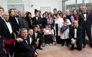 Il Capitano della Real Maestranza  in visita all'ospedale e a Casa Rosetta porta un sorriso ai malati e ai più deboli