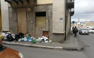 http://www.seguonews.it/gela-rifiuti-operai-senza-stipendi-e-scatta-una-giornata-di-sciopero