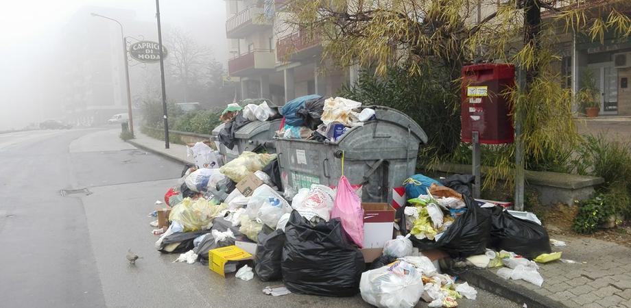 """Rifiuti, nuova batosta in arrivo per i cittadini? M5S: """"La Regione non scarichi sui siciliani i propri fallimenti sulla differenziata"""""""