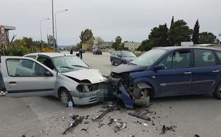 Caltanissetta, scontro tra due auto alla zona industriale: 4 feriti