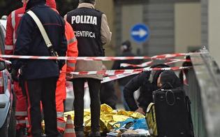 http://www.seguonews.it/firenze-esce-da-casa-per-suicidarsi-poi-spara-a-caso-e-uccide-un-senegalese
