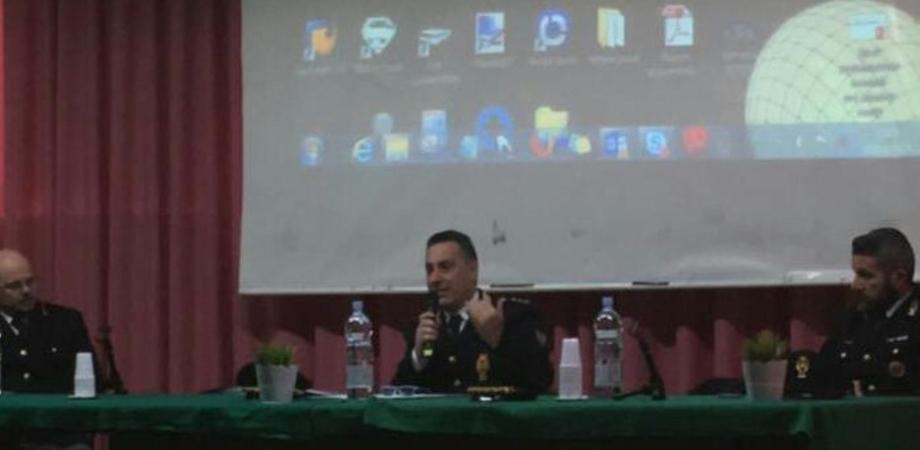 """""""Sicurezza in bicicletta"""": la Polizia Stradale di Caltanissetta incontra le scuole"""