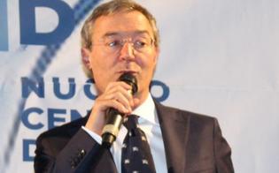 http://www.seguonews.it/intimidazione-al-sindaco-di-gela-bruciata-la-siepe-della-sua-villetta-il-segnale-e-eloquente