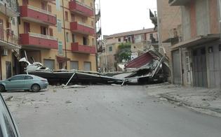 http://www.seguonews.it/butera-sfiorata-la-tragedia-le-raffiche-di-vento-fanno-volare-una-tettoia