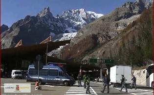 http://www.seguonews.it/fermato-un-furgone-carico-di-esplosivo-era-diretto-in-italia