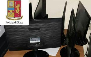 Furto di monitor e stampanti al liceo