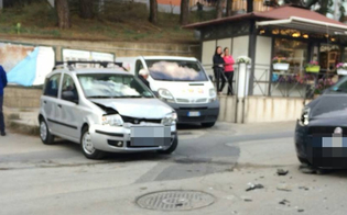 Caltanissetta, scontro tra due auto in via De Cosmi: feriti i due conducenti