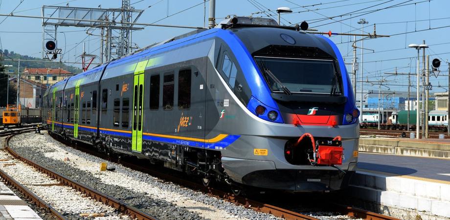 """Falcone: """"I treni tornano a viaggiare. Da lunedì la Sicilia sarà collegata anche con altre regioni"""""""