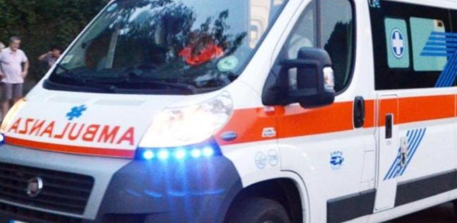 Tragedia a San Cataldo: diciannovenne accusa un malore mentre è a casa e muore