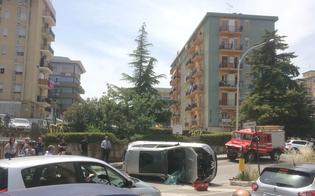 Caltanissetta, auto cappotta in via Salvo D'Acquisto: ferito il conducente
