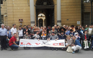 http://www.seguonews.it/caltanissetta-assegni-di-cura-e-presa-in-carico-globale-la-protesta-dei-disabili-e-delle-loro-famiglie
