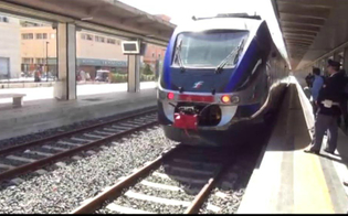 http://www.seguonews.it/maltempo-riattivata-la-linea-ferroviaria-catania---palermo-gradualmente-si-torna-alla-normalita
