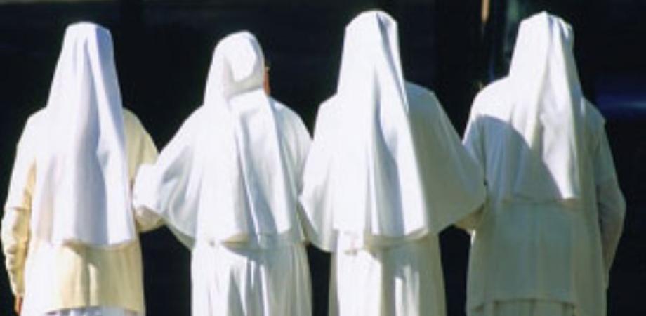 """Suore picchiano i bimbi  all'asilo """"sulle parti intime"""": condannate tre religiose e la madre superiora"""