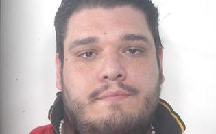 http://www.seguonews.it/evade-dai-domiciliari-per-vendere-un-cellulare-arrestato-il-nisseno-michele-romano