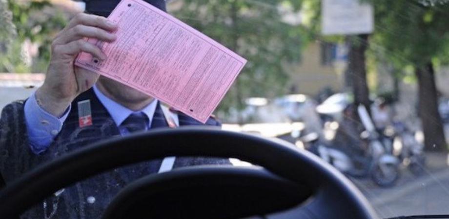 """Donna di Mussomeli colleziona più di 70 multe in 3 mesi: il giudice la """"grazia"""" per l'età"""