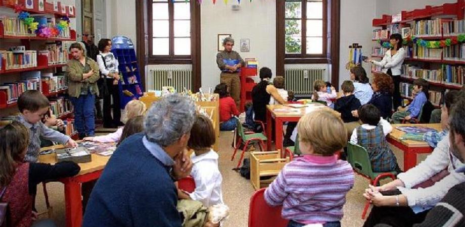 """Alla biblioteca Scarabelli sarà presentato il progetto nazionale """"Nati per leggere"""""""