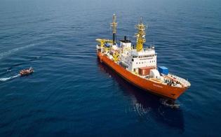 http://www.seguonews.it/aquarius-al-via-il-trasferimento-dei-primi-migranti-saranno-portati-a-valencia