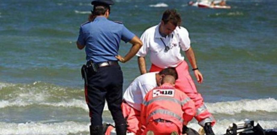 Tragedia alla Playa di Catania: 18enne muore annegata, disperso il fratello