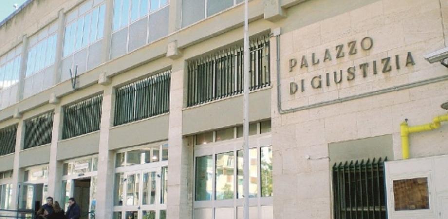 Caltanissetta, perseguitava la sua ex: 36enne condannato a un anno