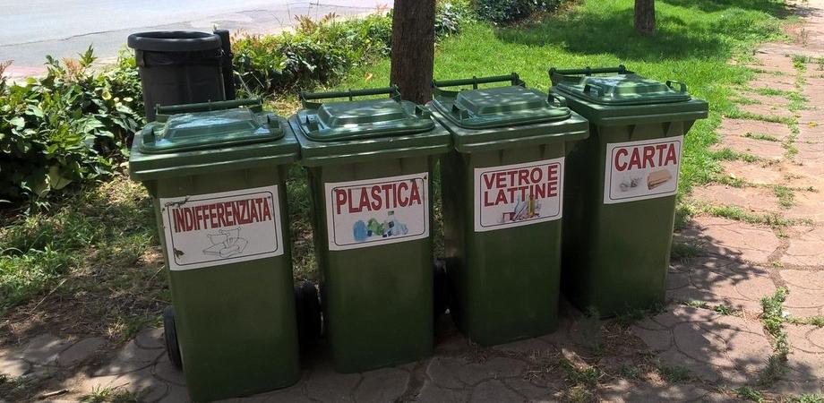 Delia, collocati venti cassonetti per il conferimento dei rifiuti