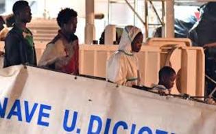 http://www.seguonews.it/trafficanti-tagliando-dito-a-un-bimbo-per-avere-i-soldi-i-drammatici-racconti-dei-profughi-della-diciotti