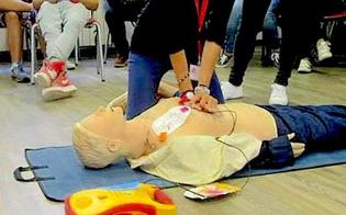 http://www.seguonews.it/caltanissetta-la-croce-rossa-organizza-un-corso-per-luso-del-defibrillatore