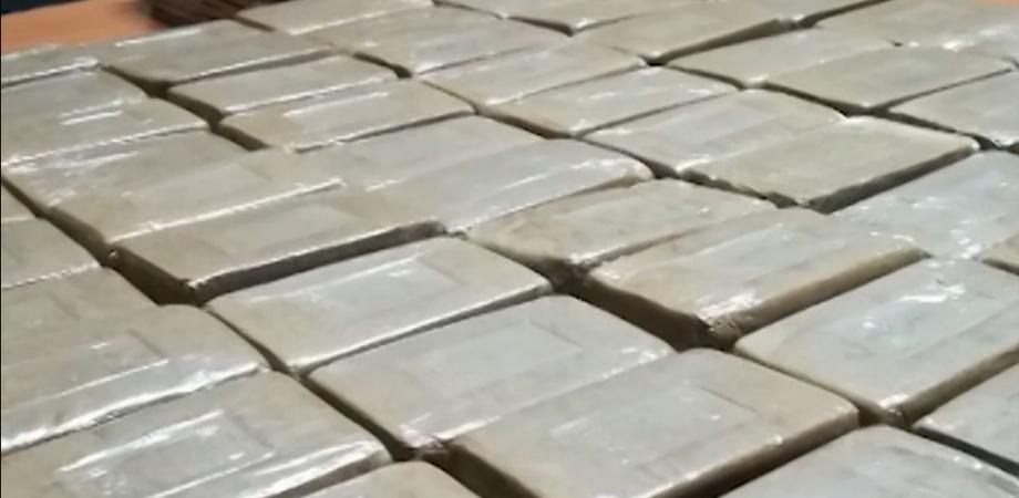 A Ravenna sequestrati 800 chili di droga: 2 arrestati, uno è di Marianopoli
