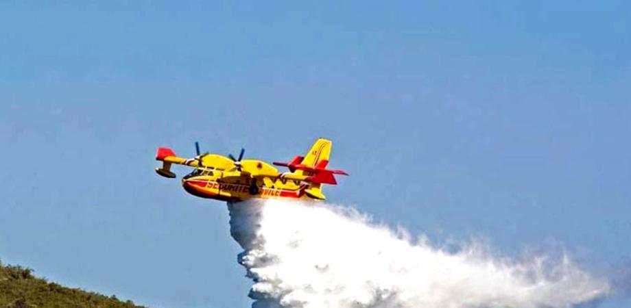 Caltanissetta, vasto incendio a Xiboli: adesso si contano i danni