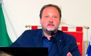 http://www.seguonews.it/gela-francesco-pira-presenta-giornalismi-il-nuovo-libro-sulle-fake-news