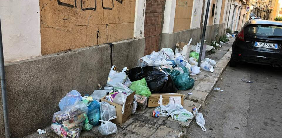 Lotta agli sporcaccioni, 150 multe a Gela in soli quattro mesi: tutti incastrati dalle telecamere