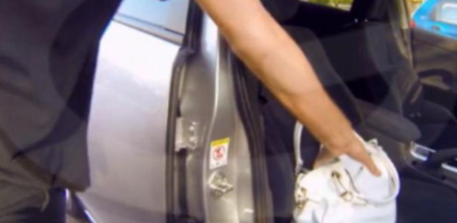 Caltanissetta, aiuta una pensionata a posteggiare e le ruba 500 euro