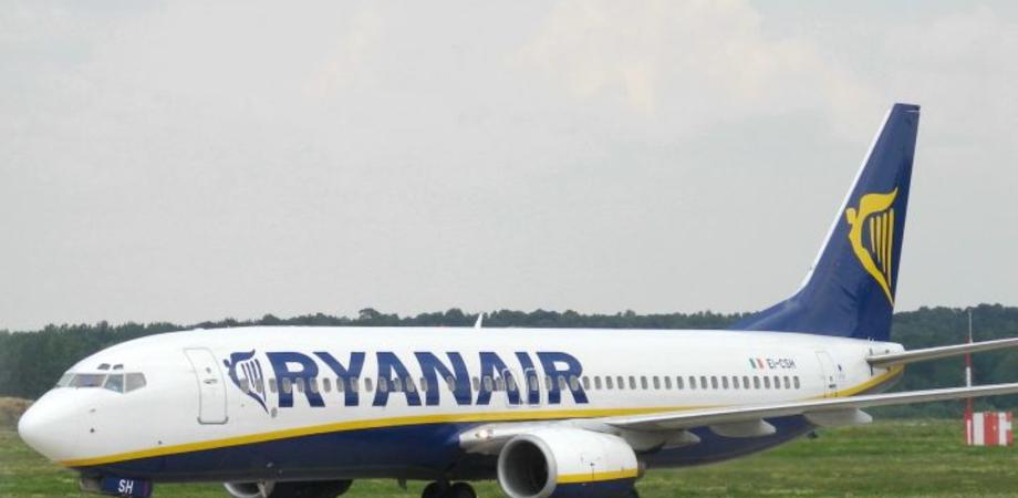 """""""Volo in ritardo per il maltempo"""", Ryanair condannata a risarcire un passeggero"""