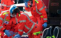 Momenti drammatici all'Acquapark di Sommatino, colto da arresto cardiaco cade in acqua: soccorso dal personale della struttura