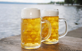 Coronavirus, ancora truffe online. Messaggio promette 4 barili di birra Heineken a chiunque completi un sondaggio