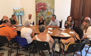 http://www.seguonews.it/avviato-il-tavolo-per-la-nuova-carta-di-servizi-del-comune-di-caltanissetta