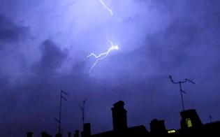 http://www.seguonews.it/fulmine-colpisce-lantenna-di-una-villa-ed-esplode-il-televisore