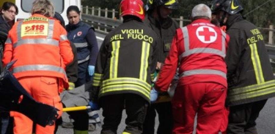Tragico scontro auto camion alle porte di Caltanissetta: tre morti