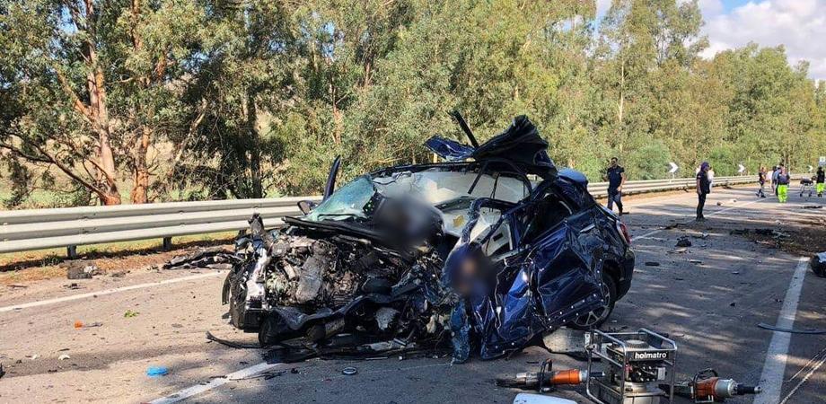 Scontro fra auto e tir alle porte di Caltanissetta: morte tre persone di Mussomeli