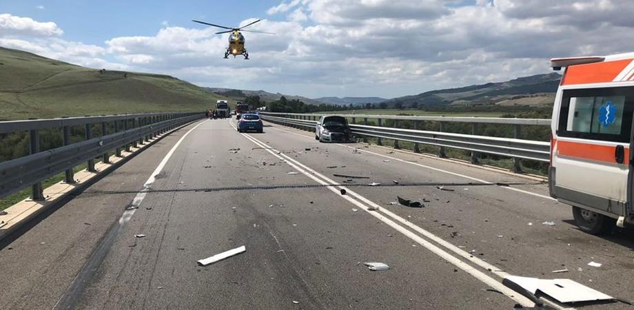 Caltanissetta, nuovo scontro tra auto e tir sulla Ss626: tre feriti trasportati al Sant'Elia